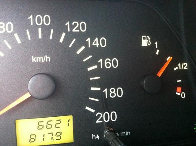 Как устроен датчик уровня топлива автомобиля? 11 возможных причин неисправности и его ремонт