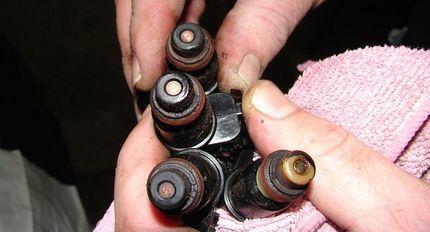 Как снять и прочистить форсунки двигателя автомобиля? 3 эффективных способа