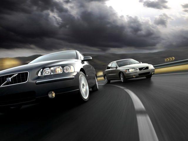 Разрешен ли обгон транспортного средства справа? Советы водителю и правила на 2019 год