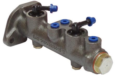 Устройство главного тормозного цилиндра и 5 основных признаков его поломки