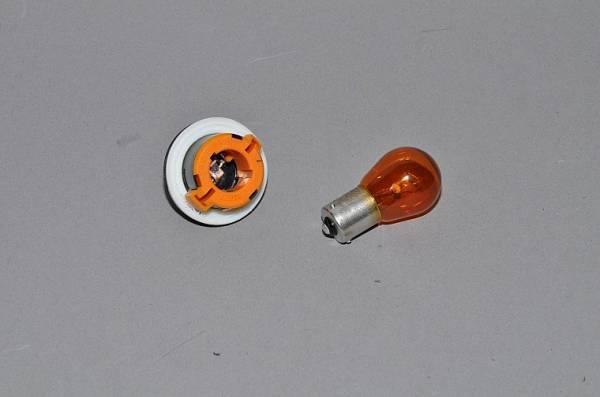 Замена лампочки ближнего света на Лада Приора: 3 лучших бренда и поэтапная технология замены
