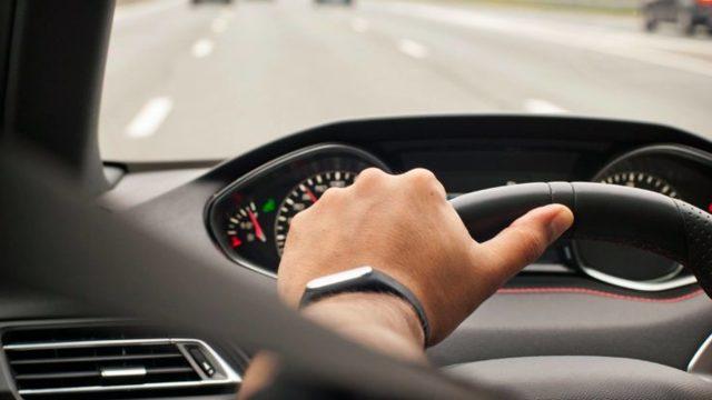 Как применить правило «правой руки» при вождении автомобиля? 3 возможных случая + примеры