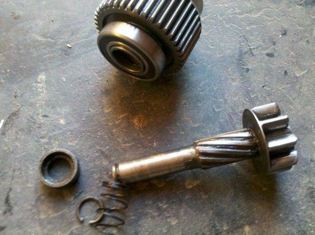 Как самостоятельно отремонтировать стартер? Принцип работы, 6 возможных причин поломки, разборка и замена щёток устройства