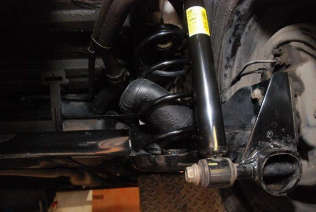 Зачем нужны пневмобаллоны в пружинах автомобиля? Конструкция, 8 преимуществ и 5 этапов установки