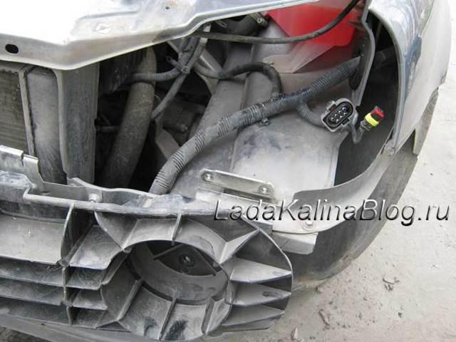 2 способа снять фары с автомобиля LADA Kalina