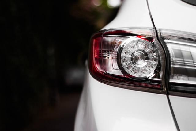 Как и сколько стоит переоформить машину в 2019 году?