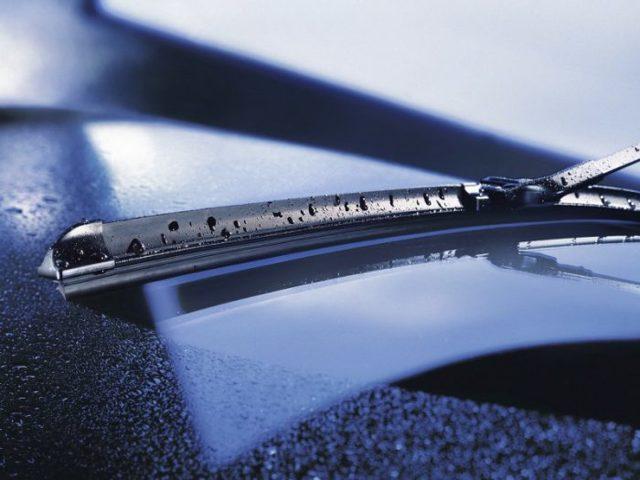 Как правильно выбрать зимние щетки стеклоочистителя? 4 полезных совета