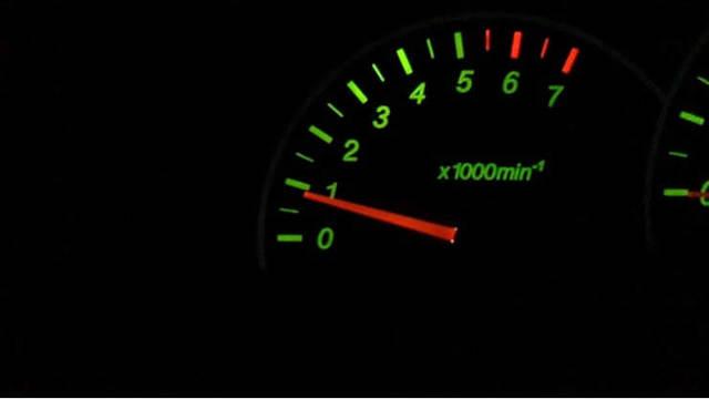 Почему плавают обороты двигателя на холостом ходу? Причины и 8 возможных решений