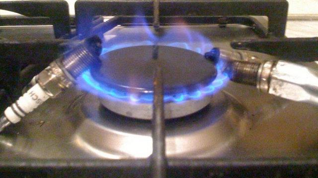 Как правильно почистить свечи зажигания в домашних условиях? 4 последовательных этапа