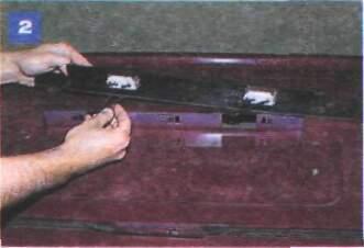 Как правильно снять плафон освещения салона своими руками? 3 примера для отечественных автомобилей и иномарок